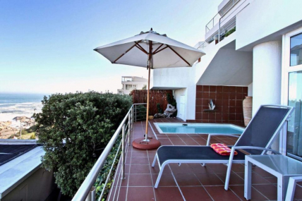 Cape Town Self Catering Accommodation - Camps Bay Terrace Suite