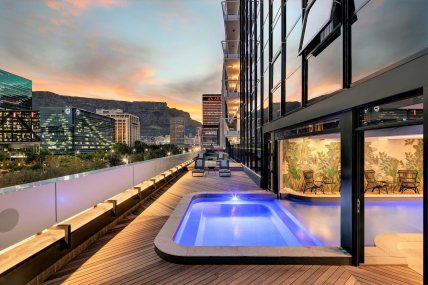 Cape Town Holiday Rental - Chic Onyx