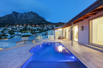 Cape Town Holiday Rental - Caste Rock Villa