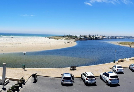 Milnerton Accommodation - Lagoon Beach 237A