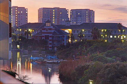 Canal Walk Accommodation – Waters Edge 219