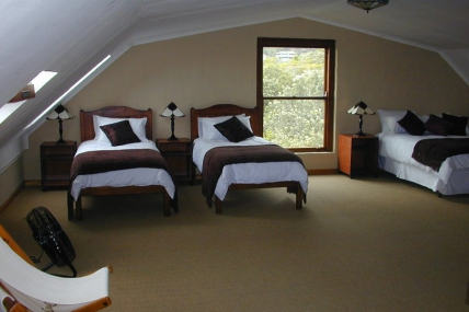 Garden Route Accommodation - Dragonfly Cottage