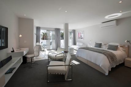Cape Town Holiday Rentals - SB - Superior Pool Suite