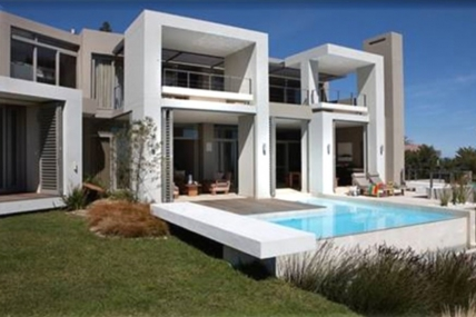 Cape Town Holiday Rentals - 6 Sandy Bay