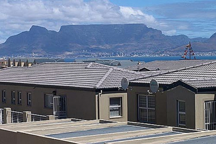Cape Town Self Catering Accommodation - Bradclin Beach House
