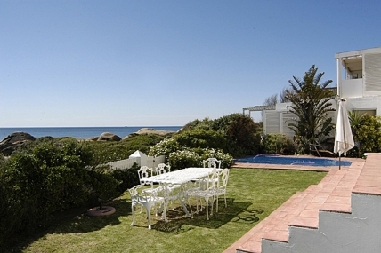 Cape Town Holiday Rentals - Sunkissed Beach Villa