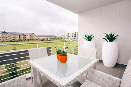 Canal Walk Accommodation - Apartments on Century - Luxury Apartment