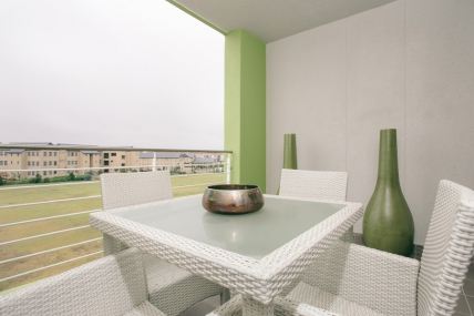 Cape Town Self Catering Accommodation - Apartments on Century - Upmarket Apartment