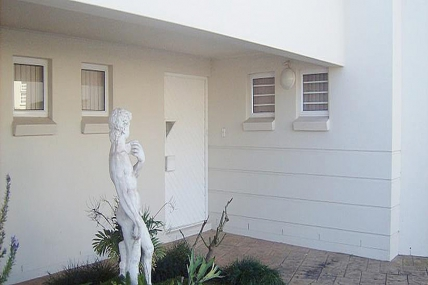 Cape Town Holiday Rentals - Apartment B on 48