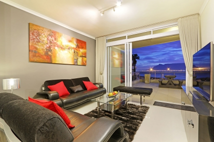 Cape Town Holiday Rentals - Portico 205