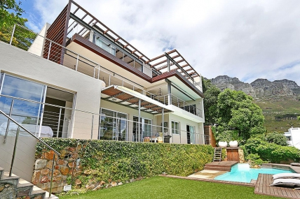 Cape Town Holiday Rentals - 50 on Hely