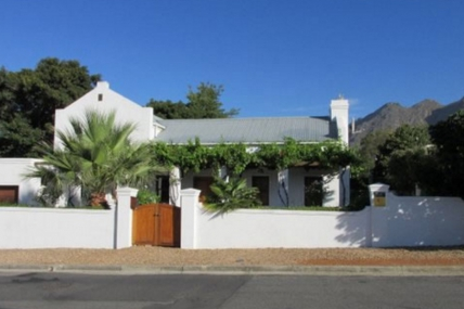 Cape Town Holiday Rental - Montarbre Cottage