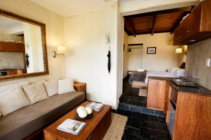 Cape Town Self Catering Accommodation - Arumvale - Standard Self Catering Suite