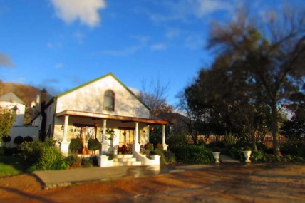 Cape Town Holiday Rentals - Cedar Cottage 1