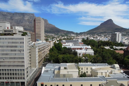 Cape Town Self Catering Accommodation - Piazza 1006