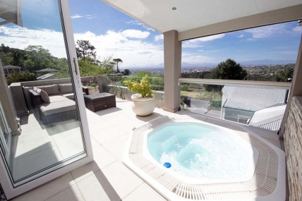 Cape Town Self Catering Accommodation - Pluke Villa