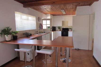 Bloubergstrand Self Catering – Table View House