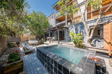Cape Town Holiday Rental - 17 Geneva - Lower