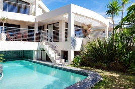 Cape Town Holiday Rentals - Bakoven Blue