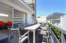 Cape Town Self Catering Accommodation - Bandar Place