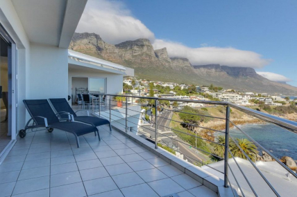 Cape Town Holiday Rental - Camps Bay Terrace Penthouse