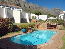 Camps Bay Self Catering – La Fleur