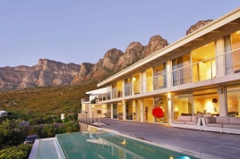 Camps Bay Self Catering - The Falcon