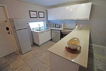 3521_1455531016-1008779906_410-HB-Kitchen-.jpg