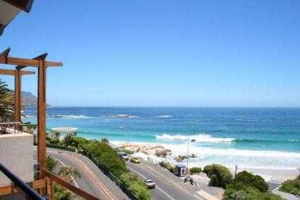 Cape Town Self Catering Accommodation - Glen Beach Villa 2