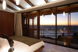 Camps Bay Accommodation - 2 Glen Beach Villas