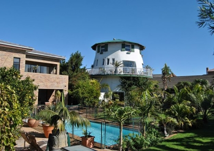 Cape Town Self Catering Accommodation - Cape Oasis Guesthouse