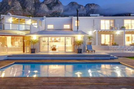 Camps Bay Self Catering – Amber Place