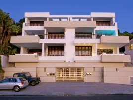 Camps Bay Self Catering – Bali Luxury Suite E