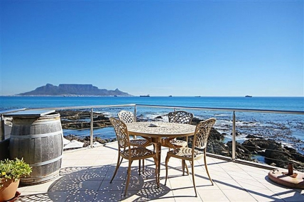 Bloubergstrand Self Catering – Pinard on Sea Penthouse