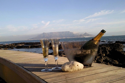 Cape Town Holiday Rentals - Pinard On Sea Apartments