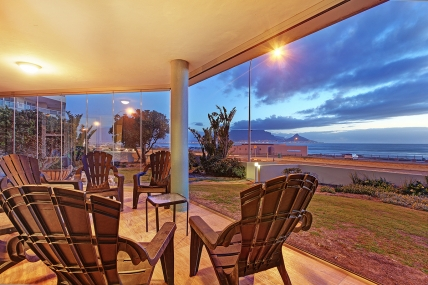 Cape Town Self Catering Accommodation - Sea Spray AG10