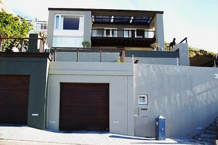 Cape Town Holiday Rentals - Mahoganny Villa