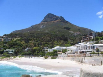 Cape Town Self Catering Accommodation - Glen Beach Villa 3