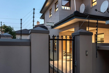 Cape Town Holiday Rentals - Tranquillo Self Catering Apartment
