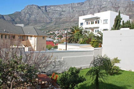 Cape Town Self Catering Accommodation - The Lions Guest House