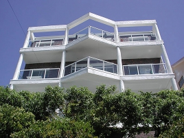 Cape Town Holiday Rentals - Crows Nest Penthouse