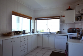 Cape Town Holiday Rental - Upper Family Apartment