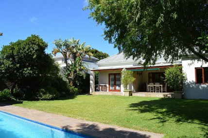 Cape Town Holiday Rentals - Cathys Claremont Cottage