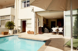 Cape Town Self Catering Accommodation - Panorama Apartment