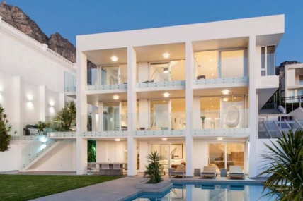 Camps Bay Accommodation - Sandpiper House