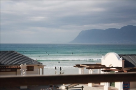 Cape Town Self Catering Accommodation - Beachcomber