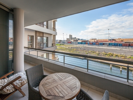 Cape Town Self Catering Accommodation - Canal Quays 1 Bed Standard