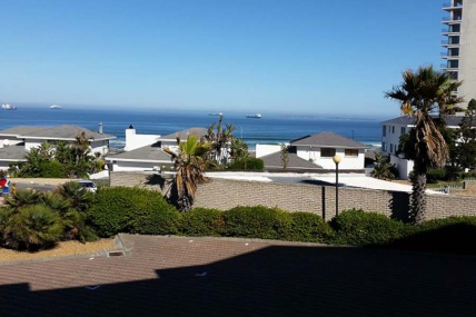 Cape Town Holiday Rental - 104 Coral Island