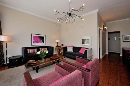 Cape Town Self Catering Accommodation - Barry Hall Apartment 1