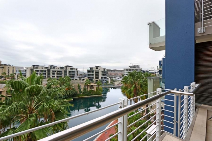 Cape Town Holiday Rentals - Juliette B 407